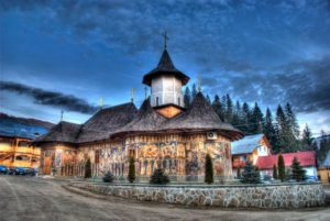 Care-sunt-manastirile-din-Bucovina